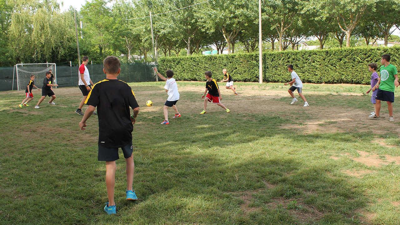 attività sportive campetto da calcio
